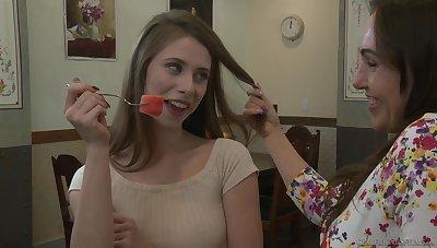 Raquel Sieb loves to be pleasured by her hot lover Anya Olsen