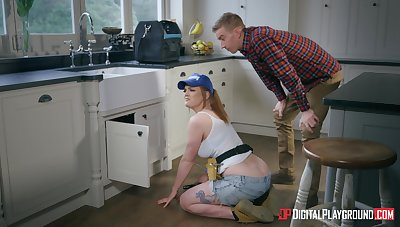 Redhead chick Carly Rae fixes his plumbing with her muddy pussy