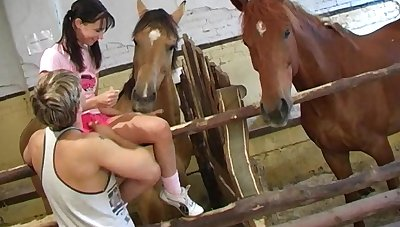 Double-dealing girlfriend Sandy Joyousness enjoys while their way boyfriens licks their way clit