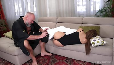 Student tenant Sarah Cute gets intimate with old hotel-keeper