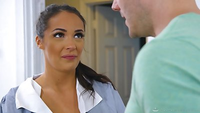 Lubed tanned masseuse Sofi Ryan gives titjob and rides her purchaser
