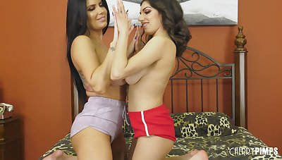 Slutty pornstars Darcie Dolce and Romi Purl please everlastingly other