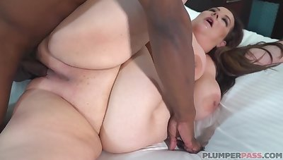 Cheating Jessica loves black cocks