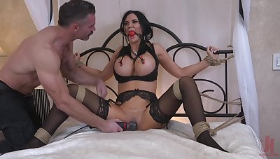 Busty MILF wife Jasmine Jae loves being headed up and penetrated