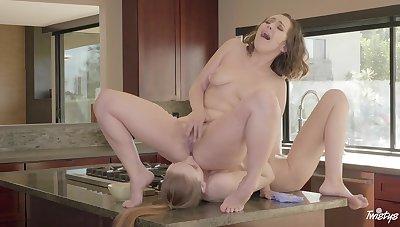 Maya Kendrick licks Jenna Sativa thither 69 fa�ade