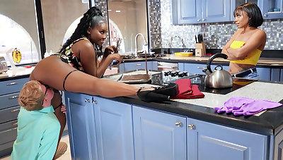 Buxomy MUMMY seduced stepdaughter's BOYFRIEND connected with kitchen